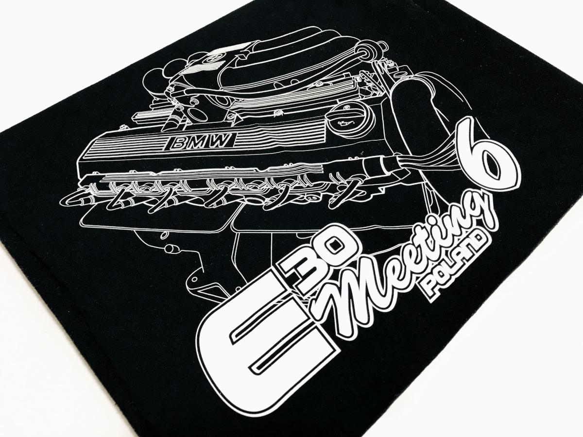 Koszulka z logo BMW. Koszulki na specjalne okazje - E30 meeting Poland th6. T-shirt w jednym kolorze wykonany sitodrukiem. Czarne koszulki Płock